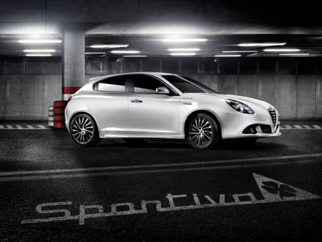 """""""LiberaMente Alfa"""" permette a tutti di guidare Alfa Romeo Giulietta, la berlina compatta leader del segmento"""