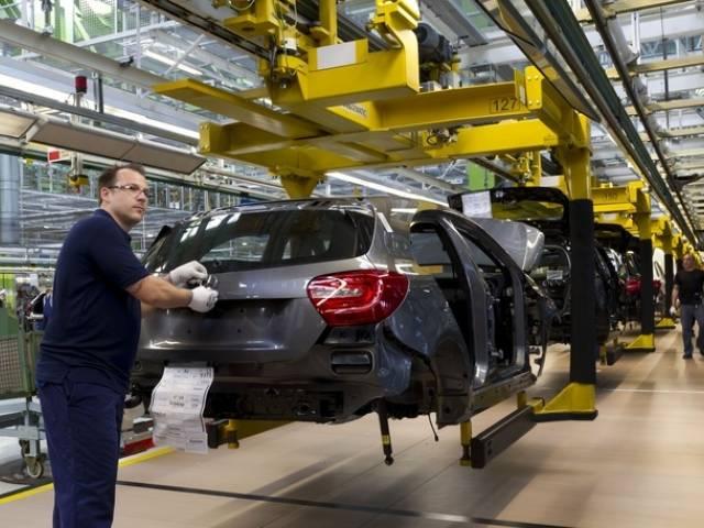 Ulteriore turno di montaggio per la nuova Classe A nello stabilimento Mercedes-Benz di Rastatt