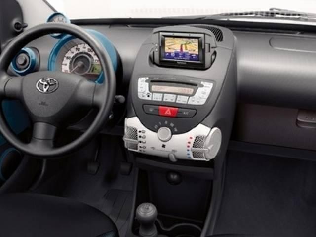 Toyota Aygo Edizione Speciale 2013: nasce la versione 'COOL SODA'.