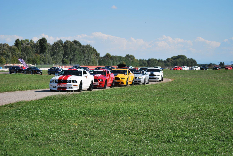 Le Mustang d'Europa sfilano a Vairano