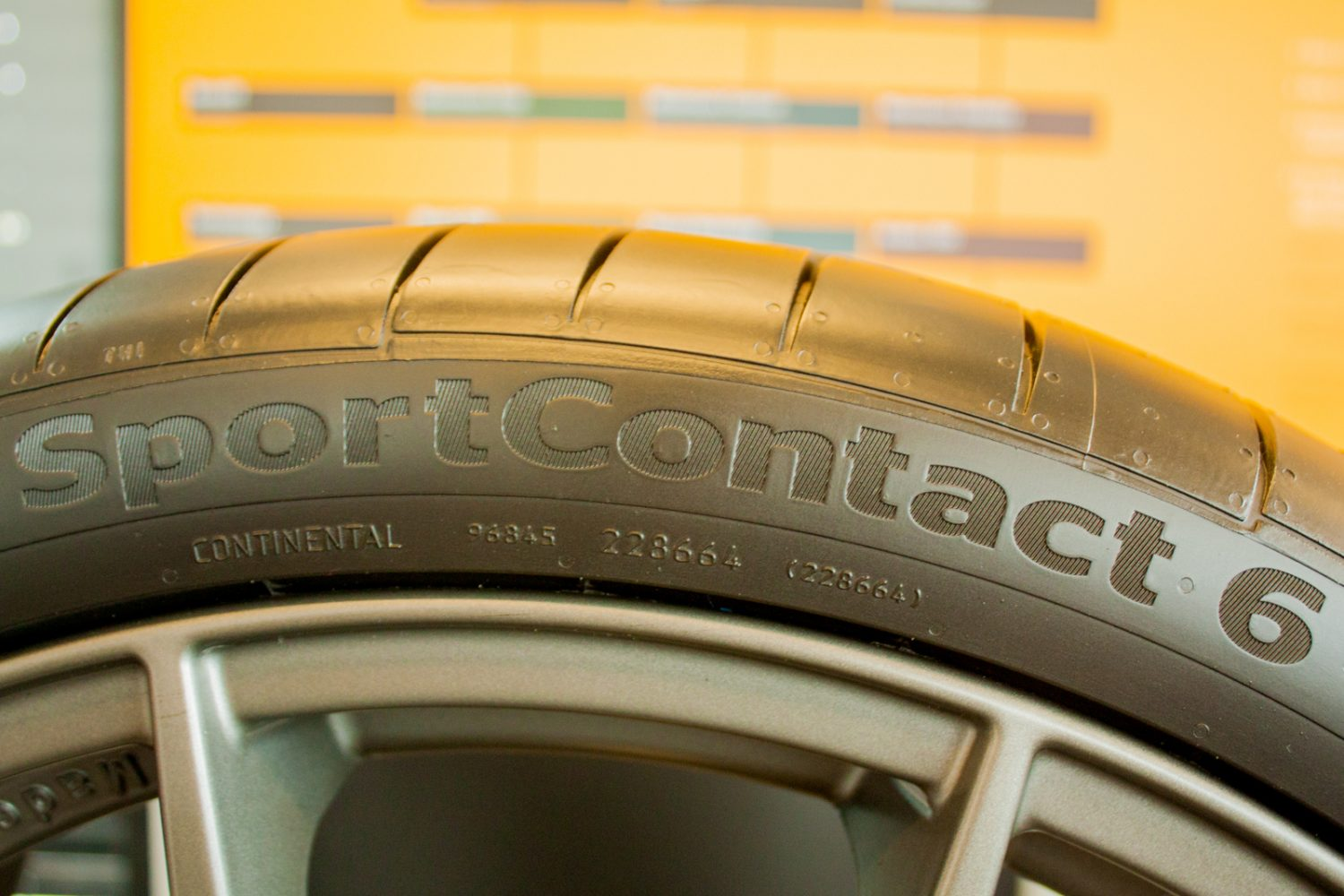 Continental SportContact 6: all'attacco!