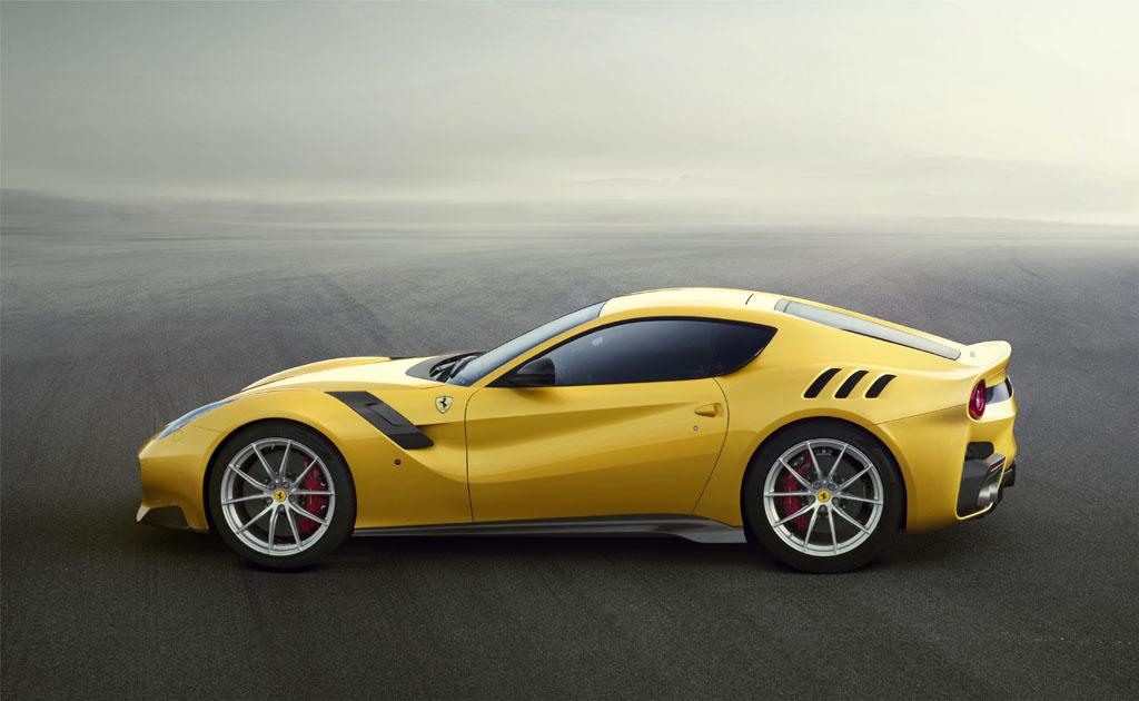 Ferrari, ecco la F12tdf