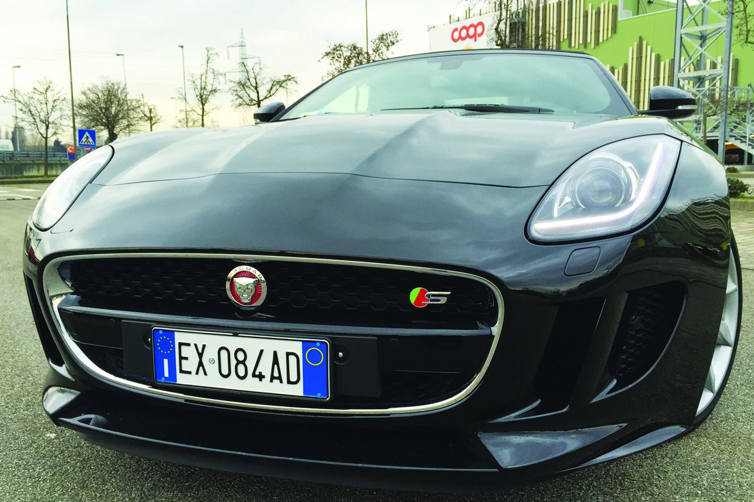 jaguar f type s cabrio autosupermarket magazine. Black Bedroom Furniture Sets. Home Design Ideas