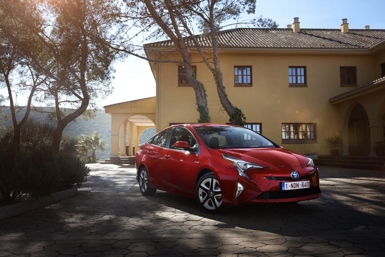 Toyota Prius MY16: l'essenza dell'ibrido