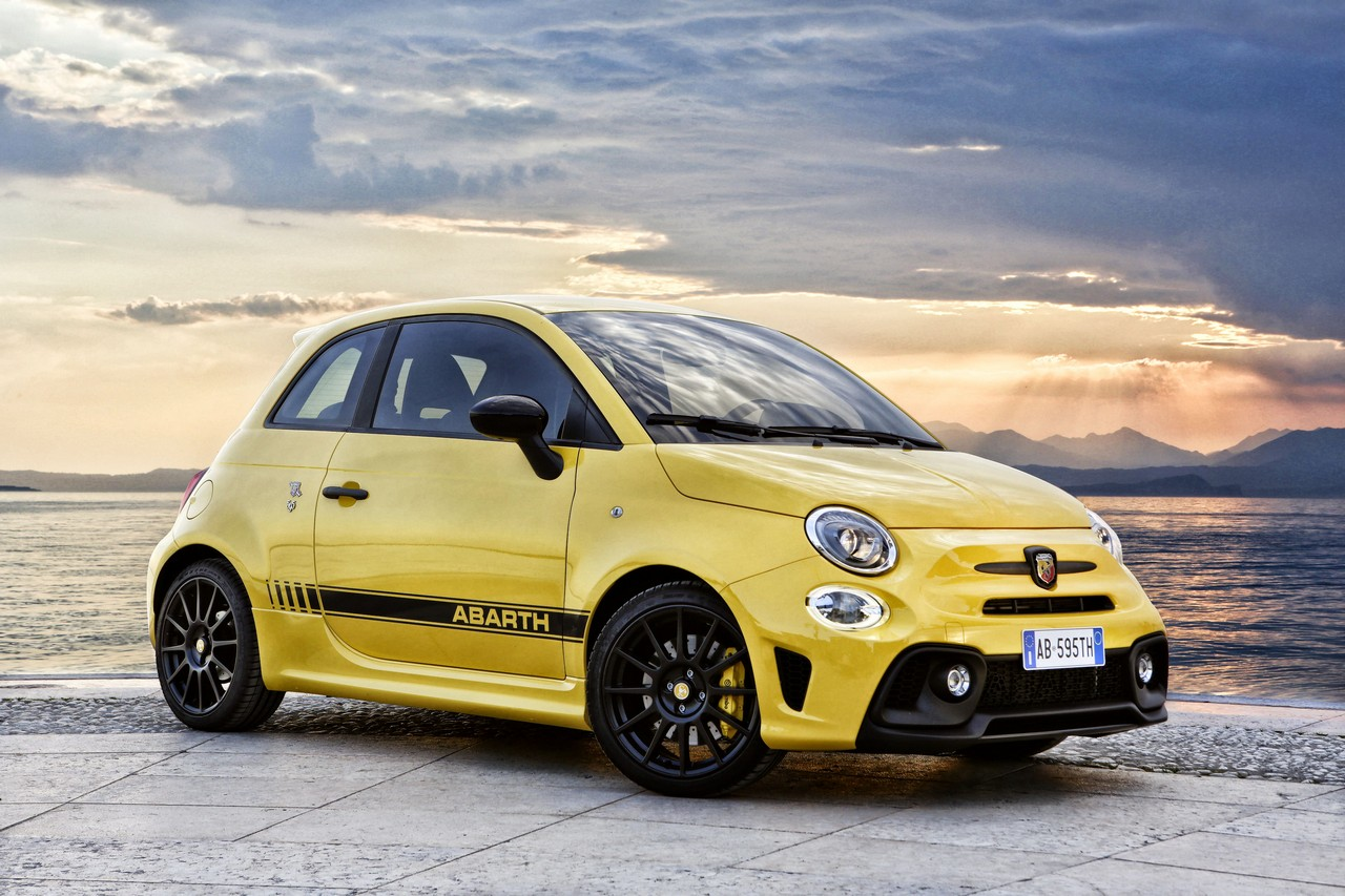 Abarth 595: restyling al peperoncino