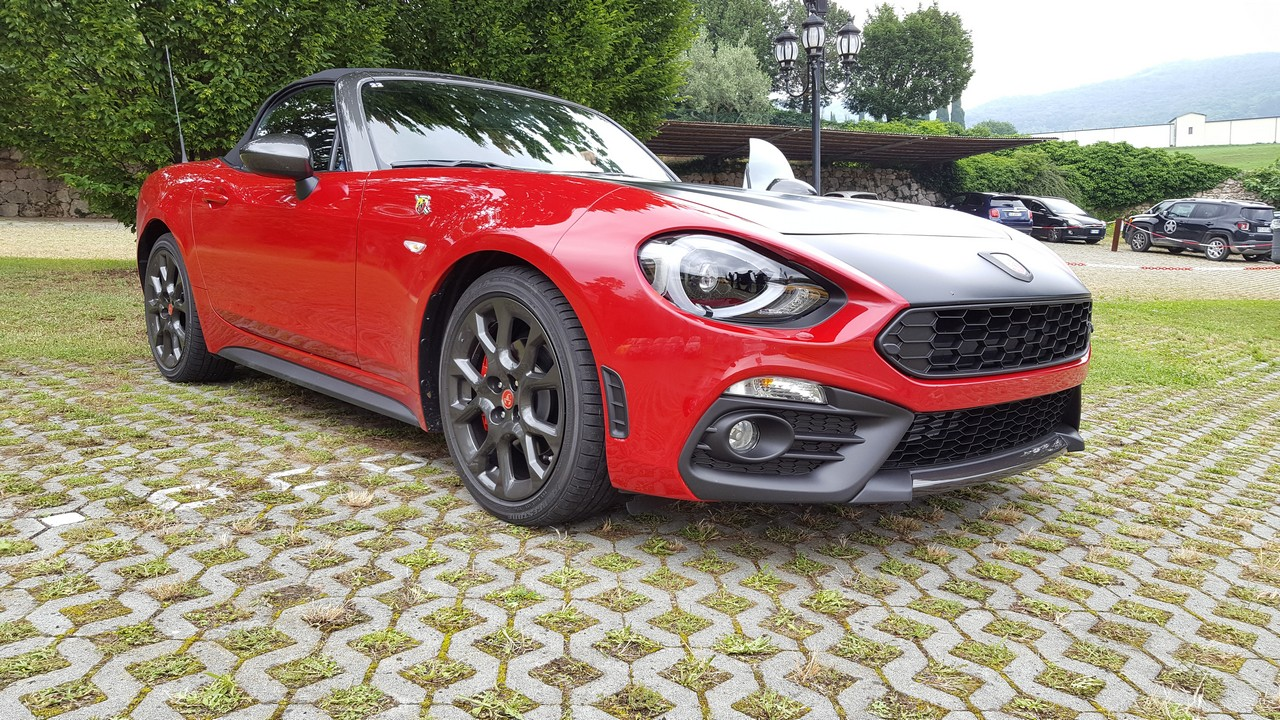 abarth 124 spider driving pleasure. Black Bedroom Furniture Sets. Home Design Ideas