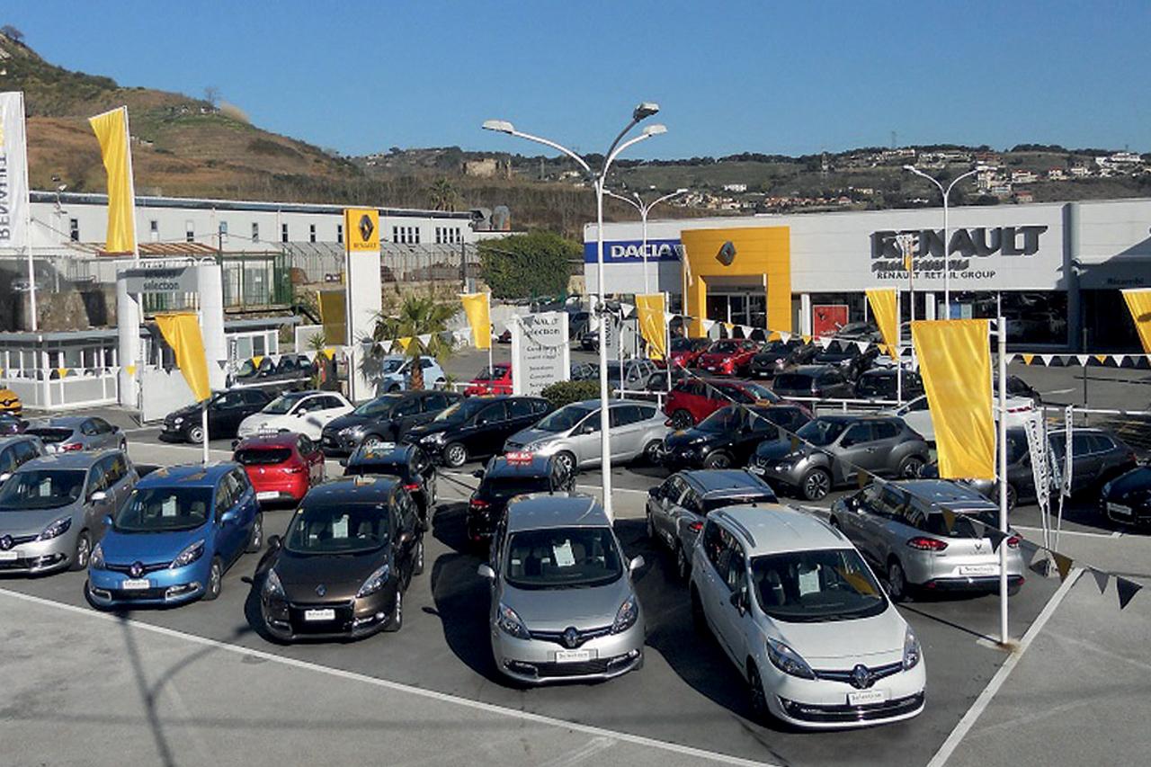 Mercato Italia: il Gruppo Renault va sempre più forte
