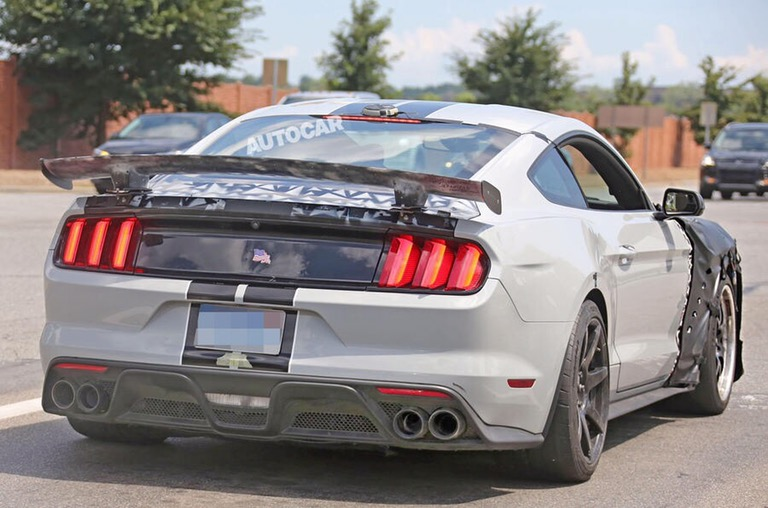 Arriva la Ford Mustang Shelby GT500