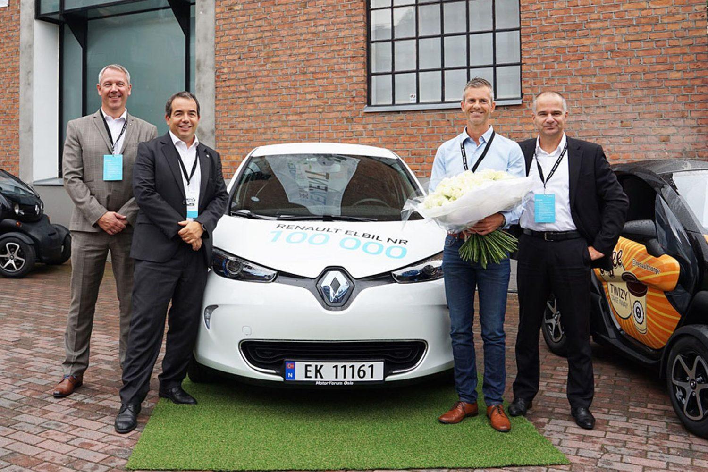 Renault ha consegnato il 100.000° veicolo elettrico