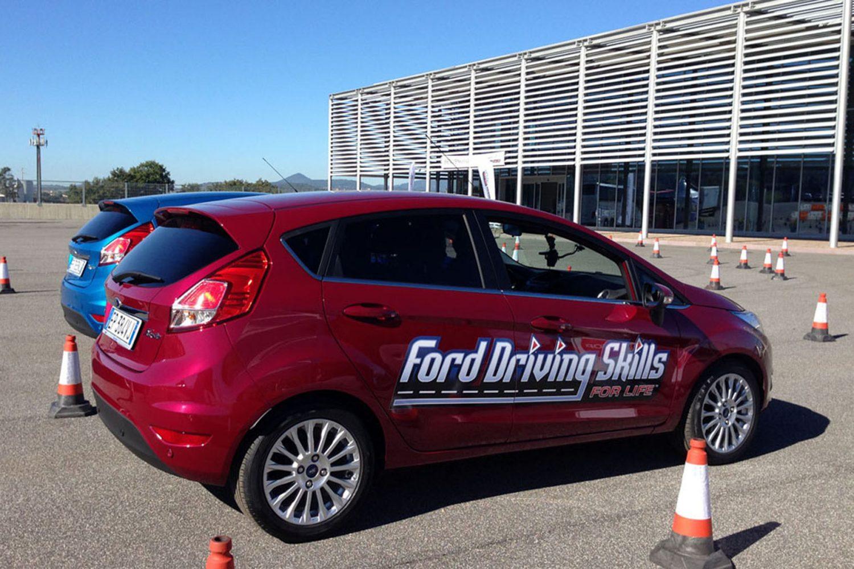 Le cattive abitudini in auto secondo Ford