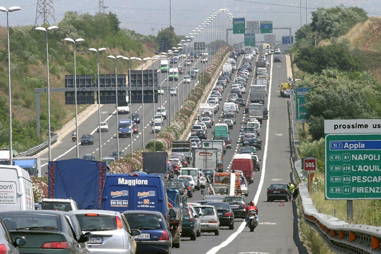 Primo semestre: aumenta il traffico in autostrada, calano gli incidenti