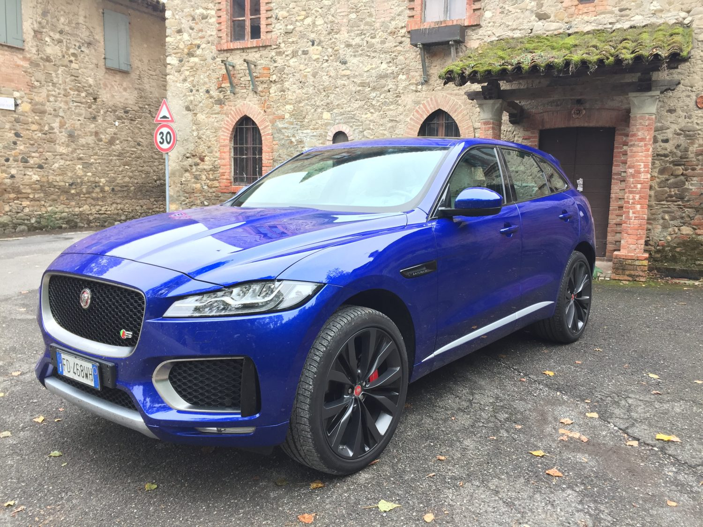 Jaguar F-PACE – Lusso moderno e tecnologia al top