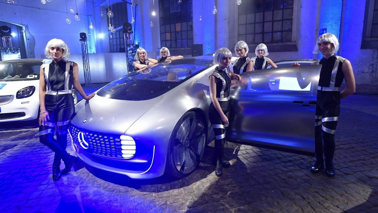Mercedes 2017: #IlFuturoOggi