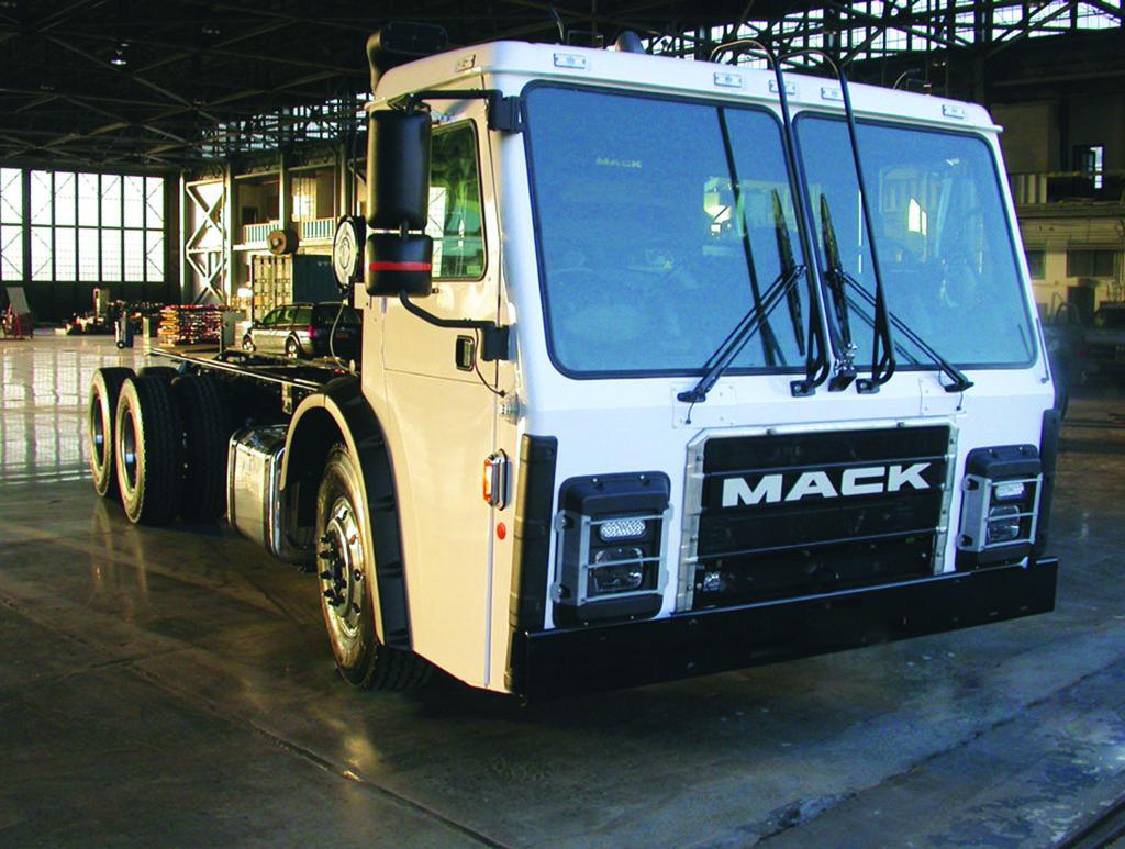 Mack LR