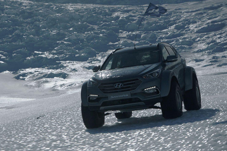 Hyundai Santa Fe in Antartide