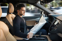 Guida autonoma: 1 italiano su 2 dice ancora no