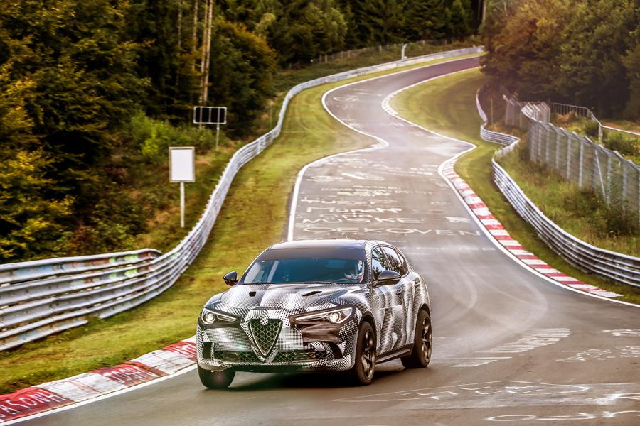 Alfa Romeo Stelvio Quadrifoglio, al Nürburgring è il SUV più veloce del mondo