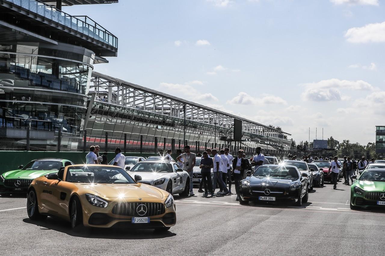 Bagno di folla a Monza per il 50° compleanno di Mercedes-AMG
