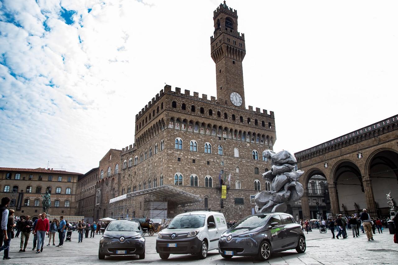"""Il Car Sharing """"green"""" by Renault e Adduma Car"""