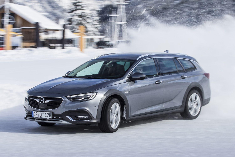 Opel Insignia Country Tourer con trazione integrale hi-tech