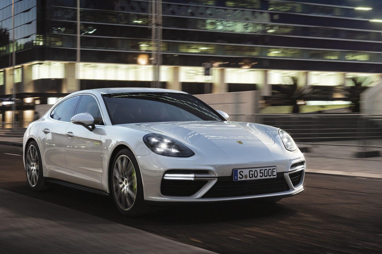 Porsche investirà oltre 6 miliardi di euro nella mobilità elettrica entro il 2022