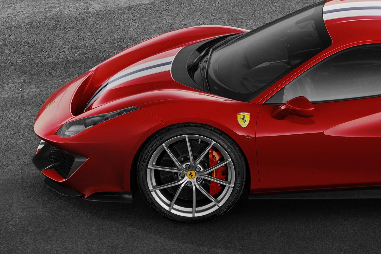 La Ferrari 488 Pista monta pneumatici Michelin