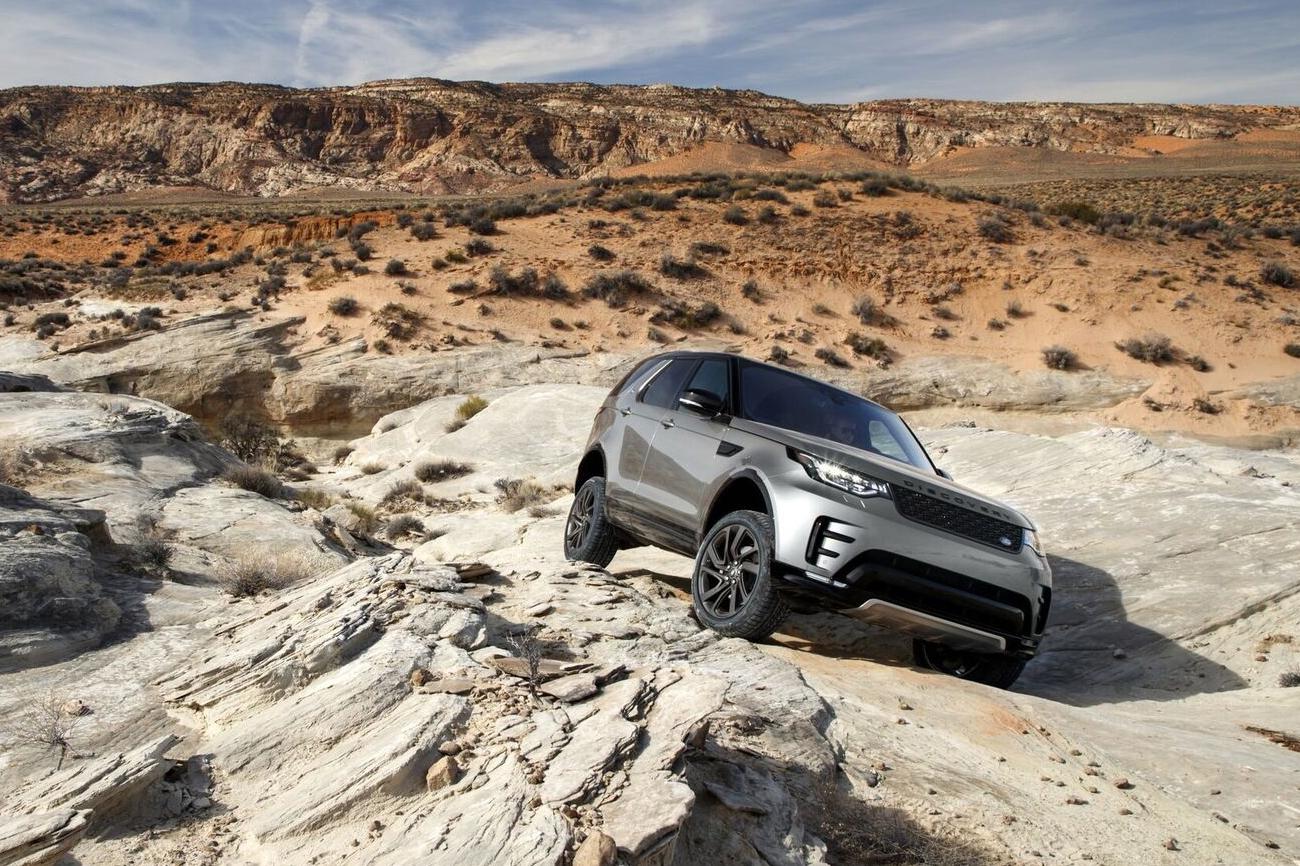 Land Rover trasforma in realtà la guida autonoma all-terrain