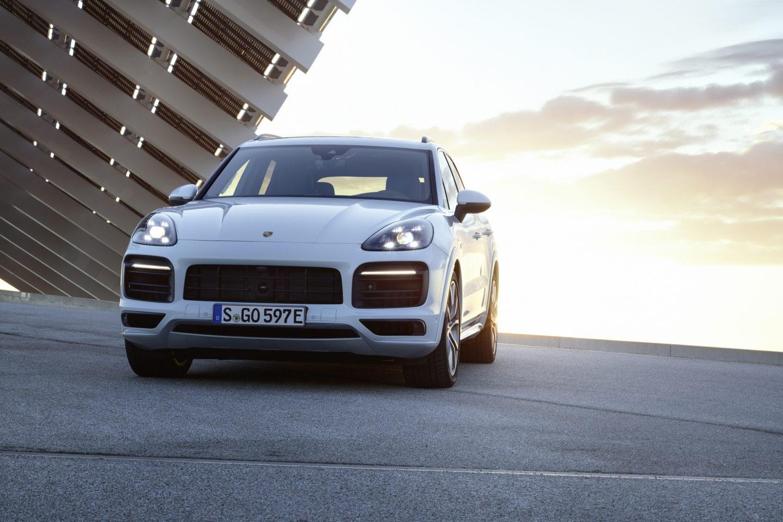 La nuova Porsche Cayenne ora disponibile anche in versione ibrida plug-in