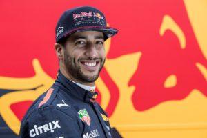 Daniel Ricciardo infiamma il mercato piloti in Formula1. Ferrari e Mercedes a contenderselo