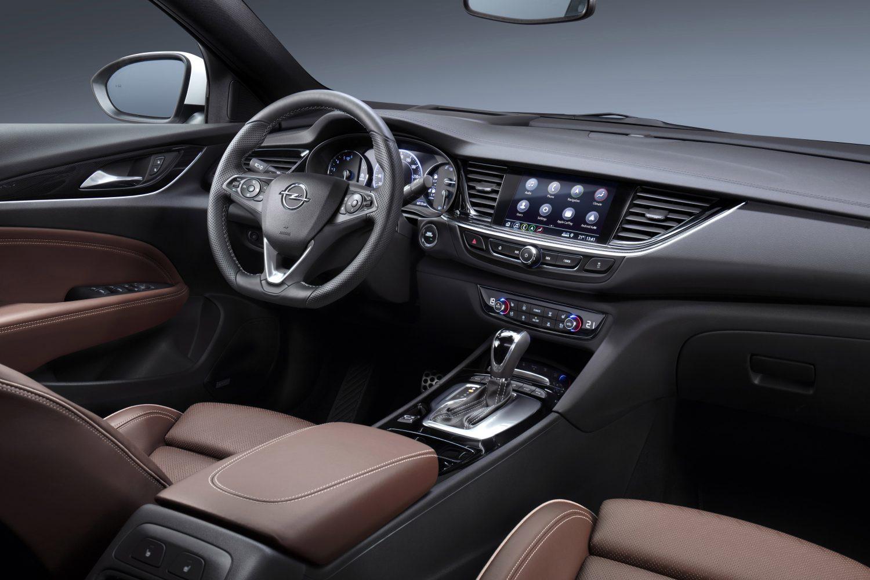 Opel Insignia: sistemi di infotainment di nuova generazione