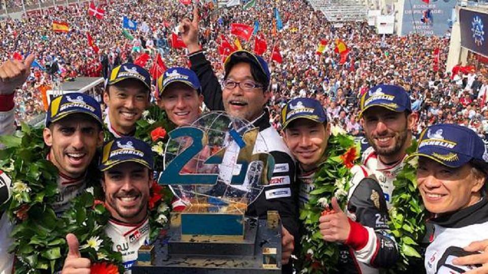 Alonso vince la 24 Ore di Le Mans ed entra nella leggenda