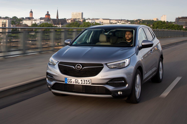 Opel Grandland X, nuovo motore turbo a benzina