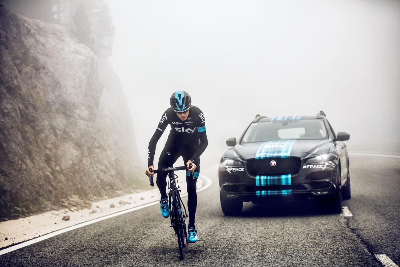 Jaguar F-PACE Prototype al Tour de France 2015