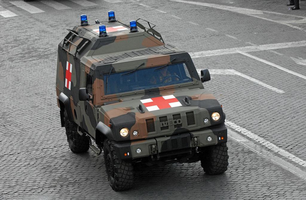 Il Lince nella variante ambulanza protetta (foto: IVECO DV).