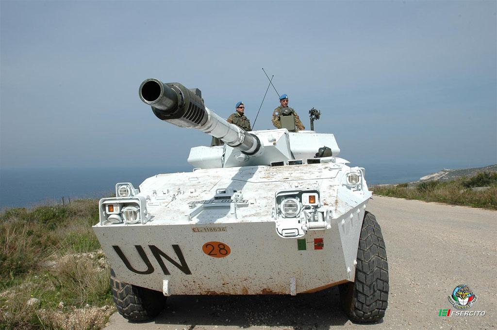 Blindo Centauro impiegata in Libano dall'Esercito Italiano.