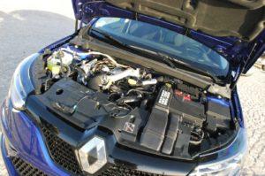 Sotto il cofano della GT pulsa un quattro cilindri turbo iniezione da 205 CV