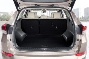 Ampio e fruibile lo spazio disponibile nel baule posteriore.