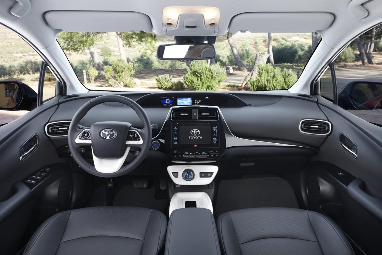 Toyota Prius MY16