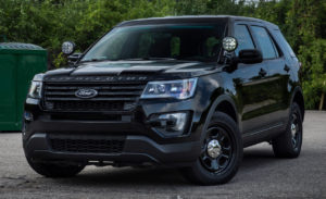 2016 Ford Police Utility Explorer con barra luci Stealth