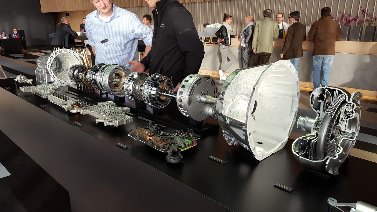 BGS 9873 Kit di Scarico e riempimento Olio per Cambio Automatico per Mercedes-Benz 9G Tronic