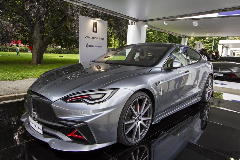 Mole Valentino segna l'ingresso di Palermo nel mondo delle vetture elettriche. La base è Tesla.