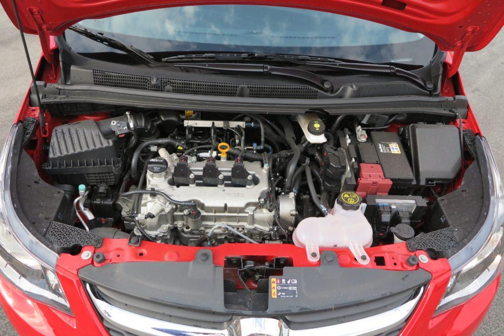 Il tre cilindri di 999 cm3 che eroga 73 CV a GPL e 75 a benzina.