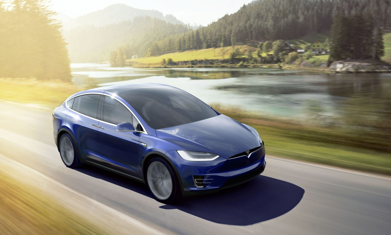 Auto a guida automatica: le novità di Tesla Motors