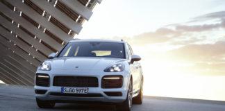 Porsche Cayenne ibrida plug in