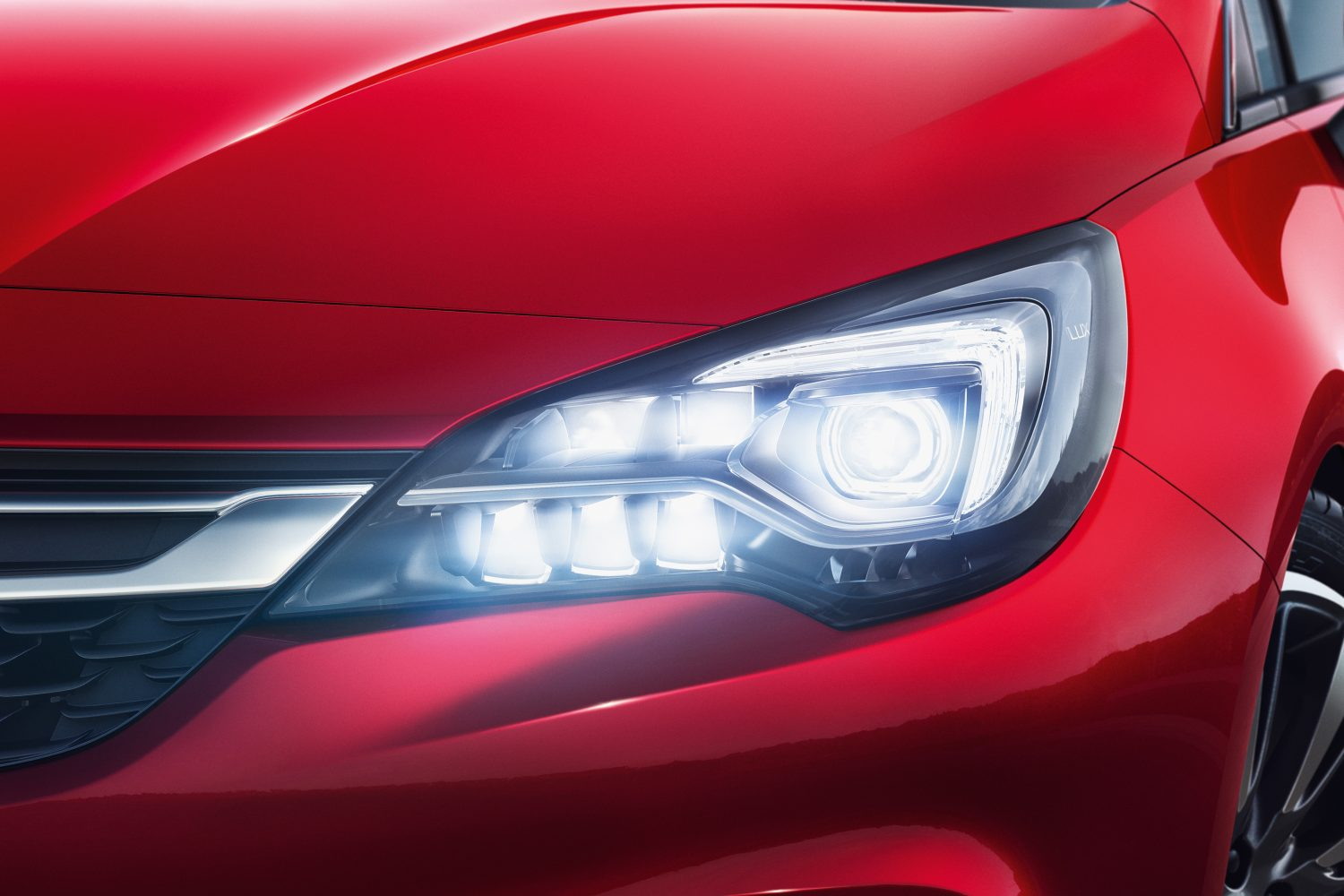 Opel-Astra-IntelliLux-LED