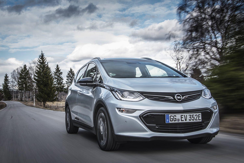 2016-Opel-Ampera