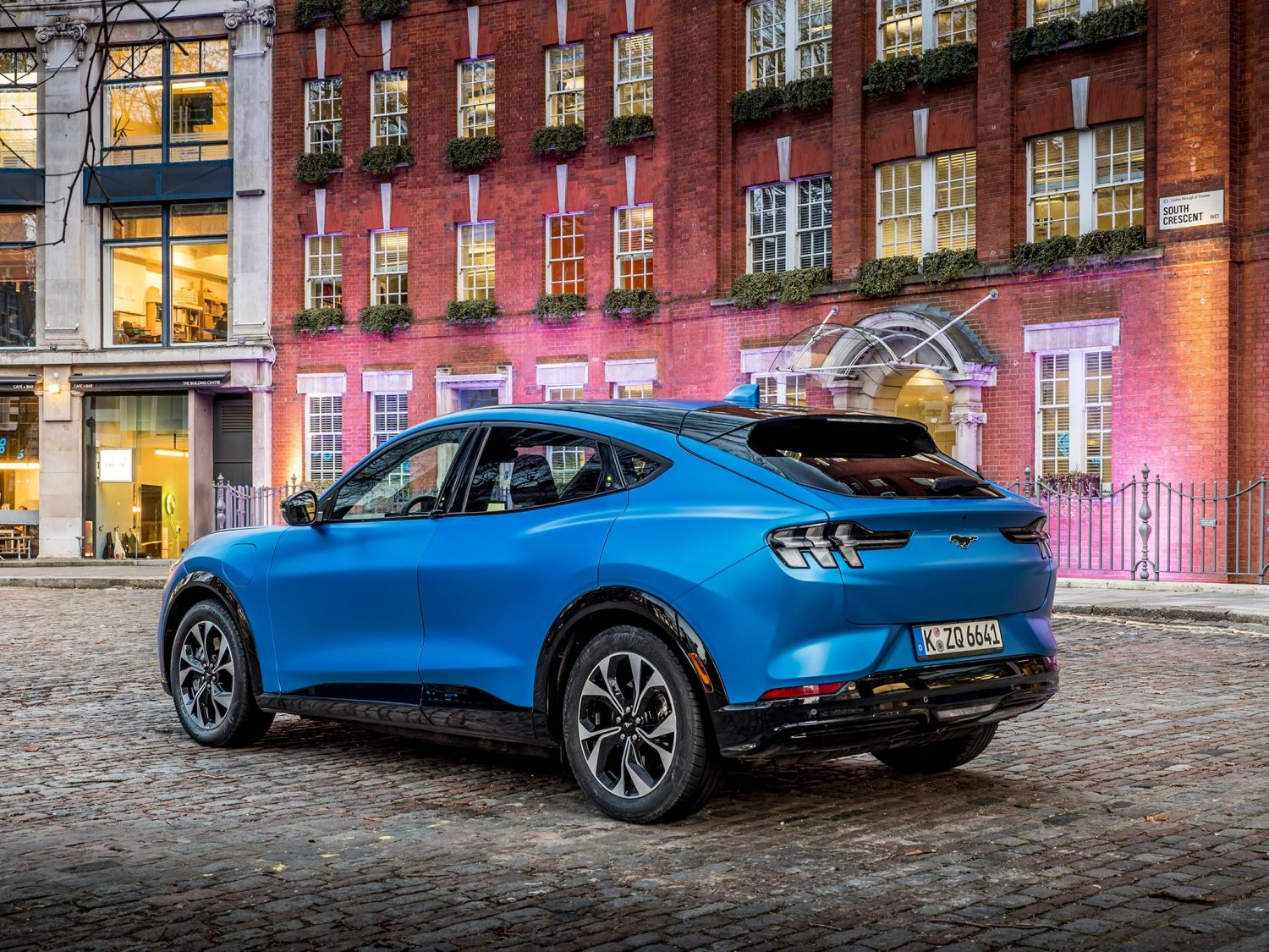 FORD_2020_Mustang_MACH-E