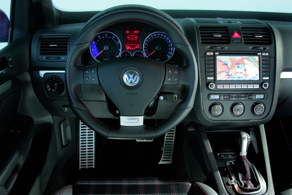 Volkswagen Golf GTI Edition 30 (2006).