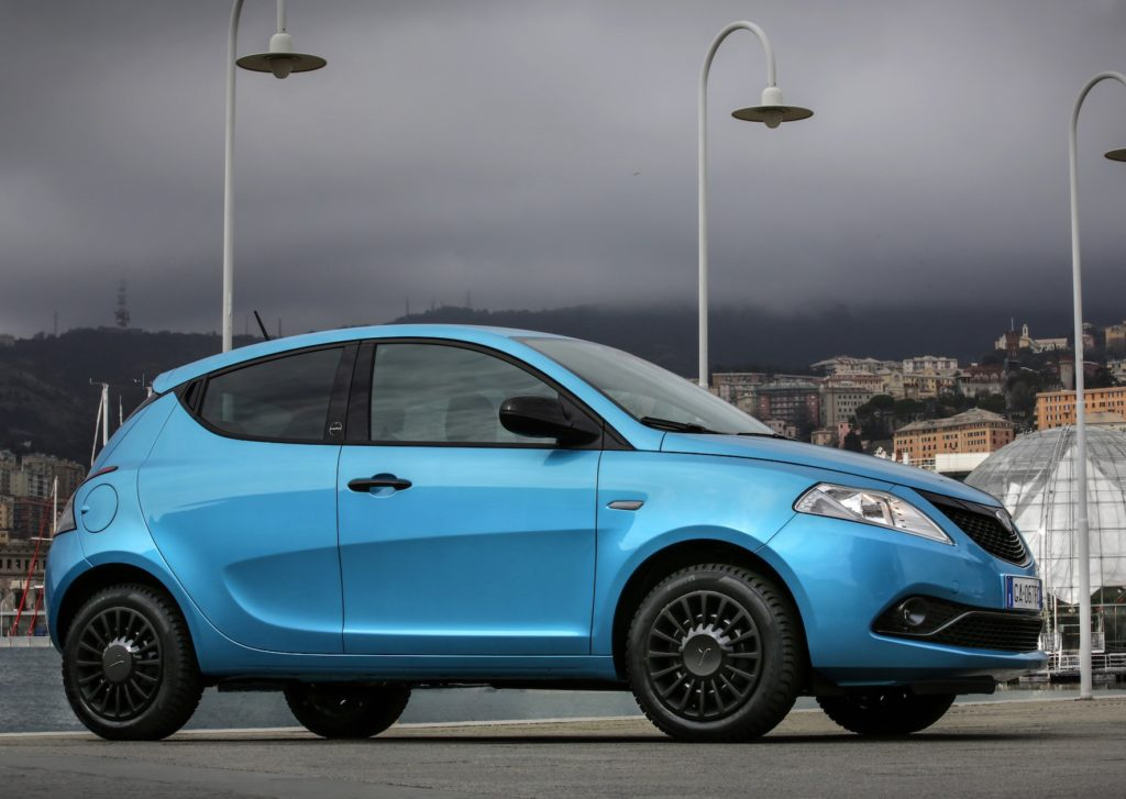 Lancia Ypsilon Hybrid: l'ibrido per signora