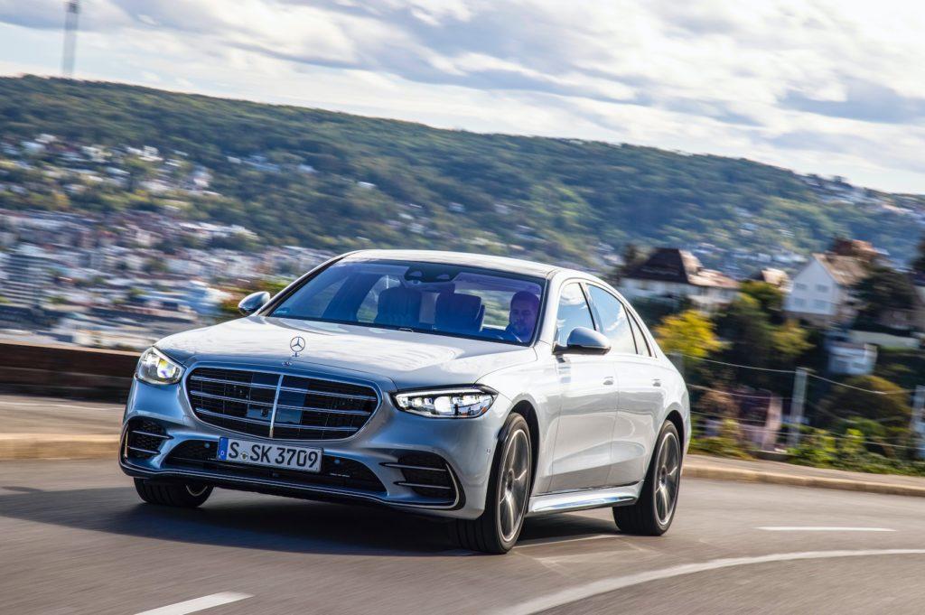 Mercedes-Benz Classe S: dalle Ruote Sterzanti al Drive Pilot